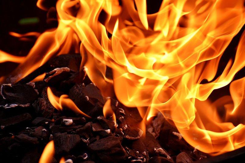 ВБашкирии пожарные эвакуировали изгорящего дома 20 граждан