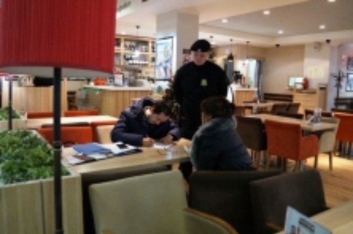 Ваэропорту Уфы приставы задержали женщину, задолжавшую 13 млн руб.