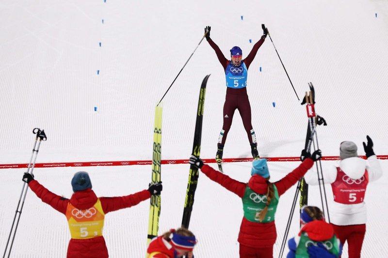Русские лыжники завоевали серебро влыжной эстафете наОлимпиаде