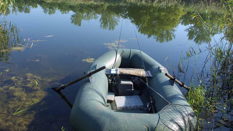 Рыбалка на резиновой лодке картинки
