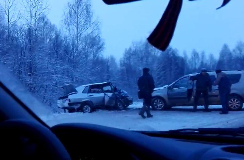 ВУфе вСипайлово столкнулись три машины, пострадала 4-летняя девочка