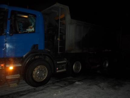 Грузовой автомобиль срудой зажегся натрассе вБашкирии