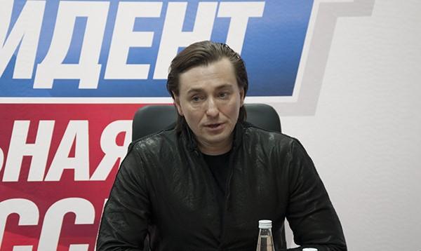 «Яполитикой незанимаюсь»— Сергей Безруков