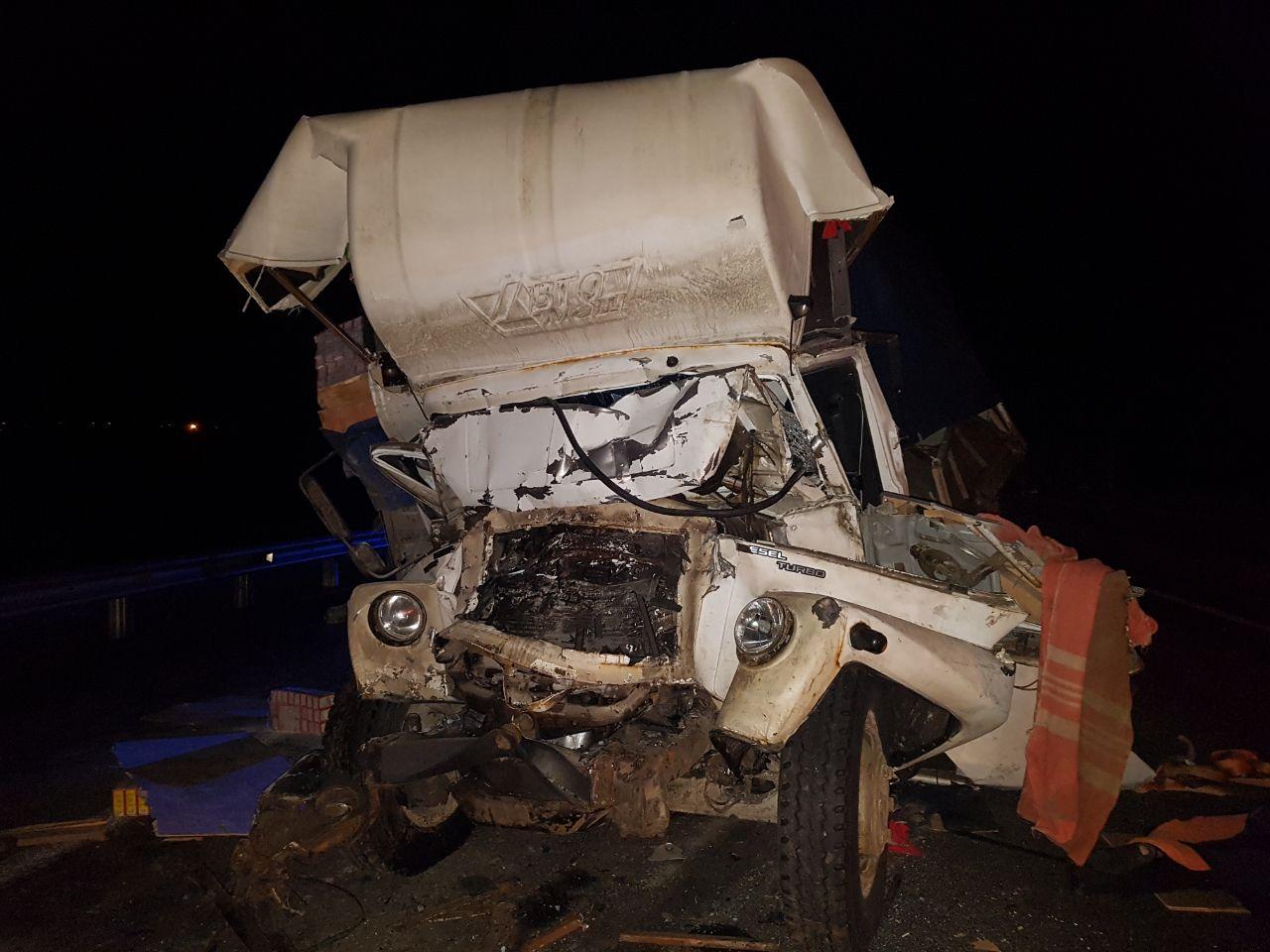 ВБашкирии натрассе столкнулись два грузового автомобиля: умер шофёр