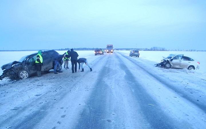 ВБашкирии шофёр «Lada Granta» погибла втройном ДТП, пострадали двое