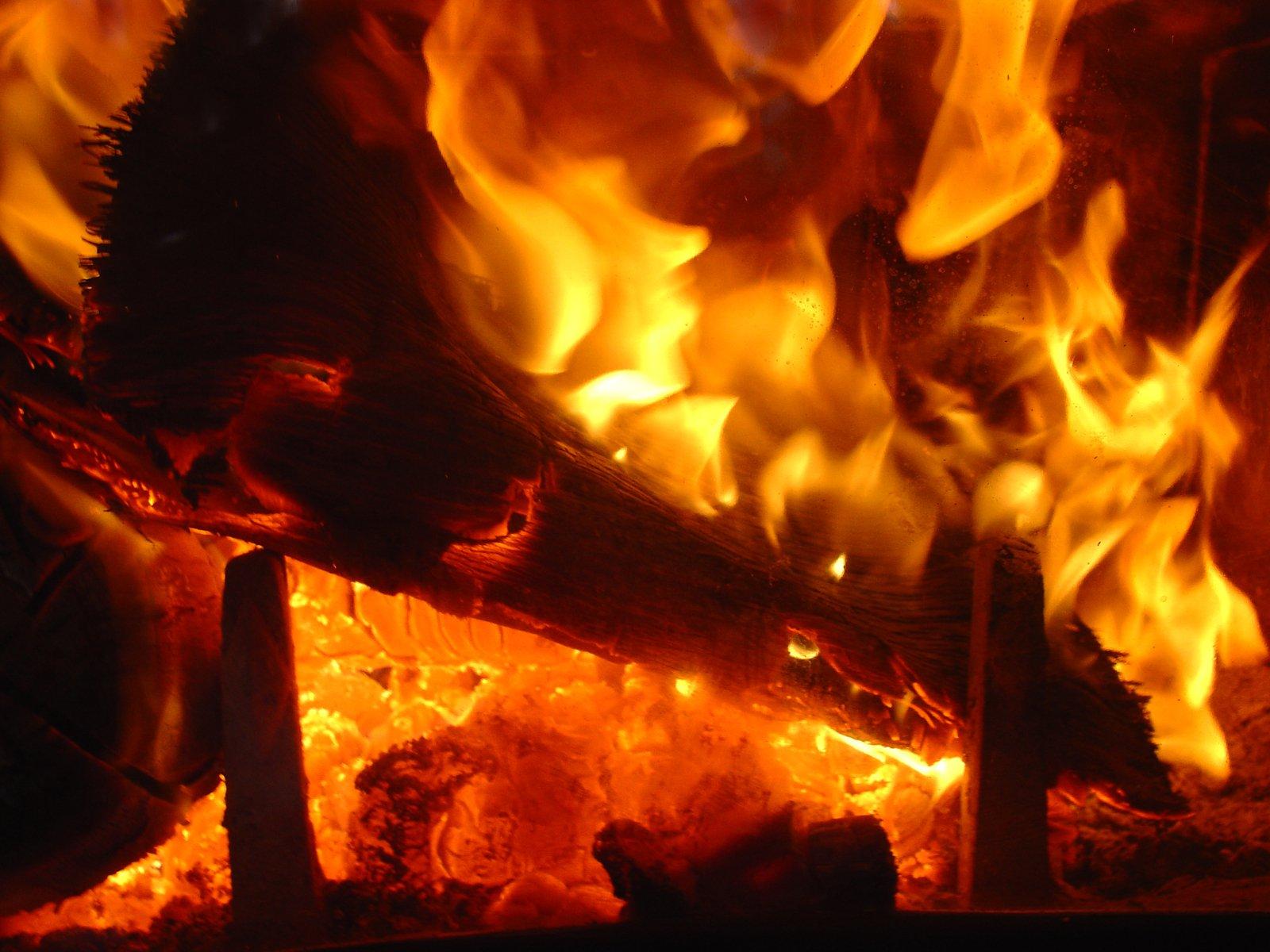 ВУфе загорелась многоэтажка: эвакуировали 12 человек